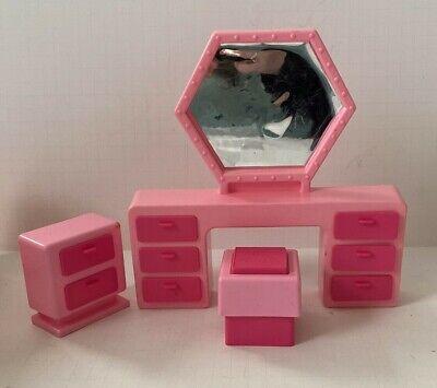 1980 Barbie Mattel Pink Dream House Bedroom Furniture Vanity Chair Dresser