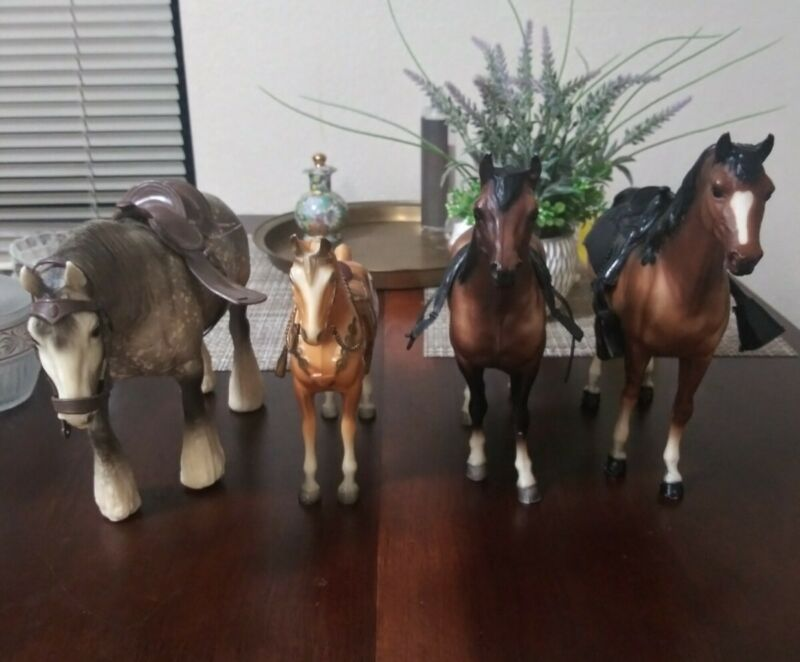 Breyer Horse Lot Of 4 & Accesories Very Good Condition Collect Toys Western NR