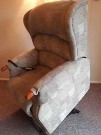 HSL Dual Rise and Recline chair: Linton model, Grande size