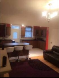 Double room in lovely house no fees