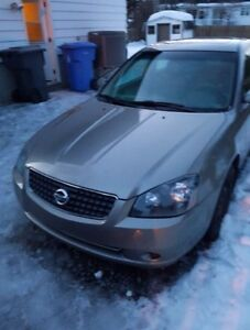Altima 2005, great condition only 99200KM