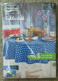 Meradiso 160cm Easy-to-clean Chlorine Free Tablecloth.