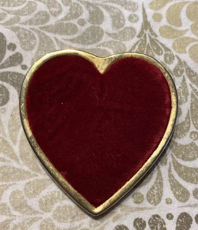 Woman Of The Moose Red Velvet Heart Pin BON6-43