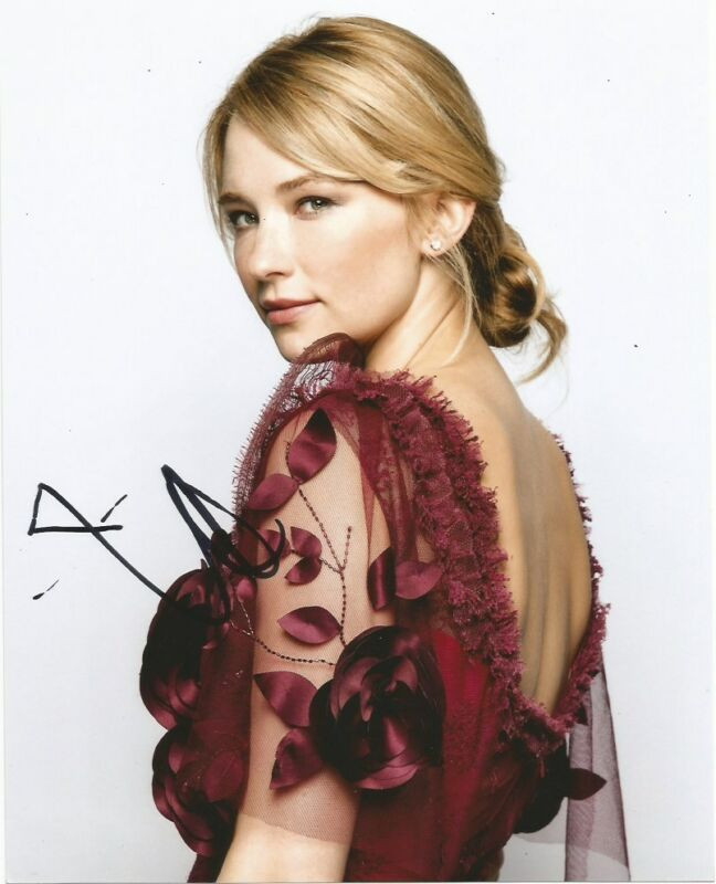 Haley Bennett Magnificent Seven Autographed Signed 8x10 Photo COA #3