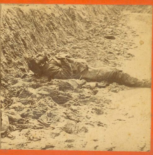 B7129~ Petersburg VA Dead Confederate In Trenches April 2, 1865 Stereoview