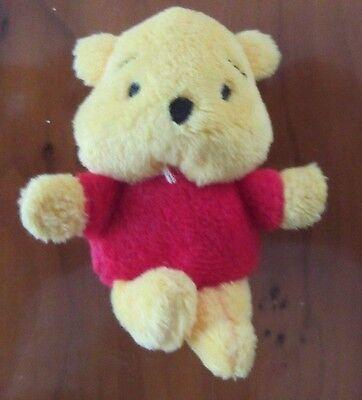 Small Winnie the Pooh bear