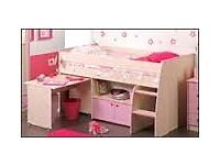 Beech wood cabin bed with pink design