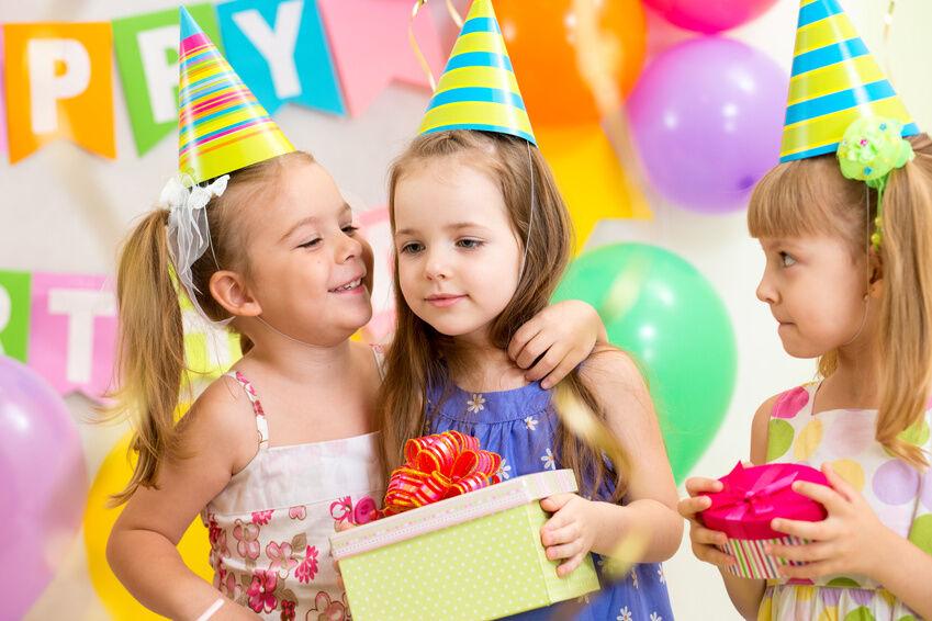 Kunterbunter Kindergeburtstag Deko Tipps fur die Feier