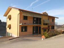 MONFORTE D'ALBA: Appartamento