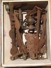 Collezione chiavistelli, cerniere, chiodi ecc. in ferro