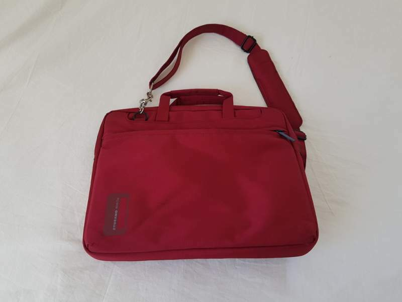 Borsa rossa pe notebook 13
