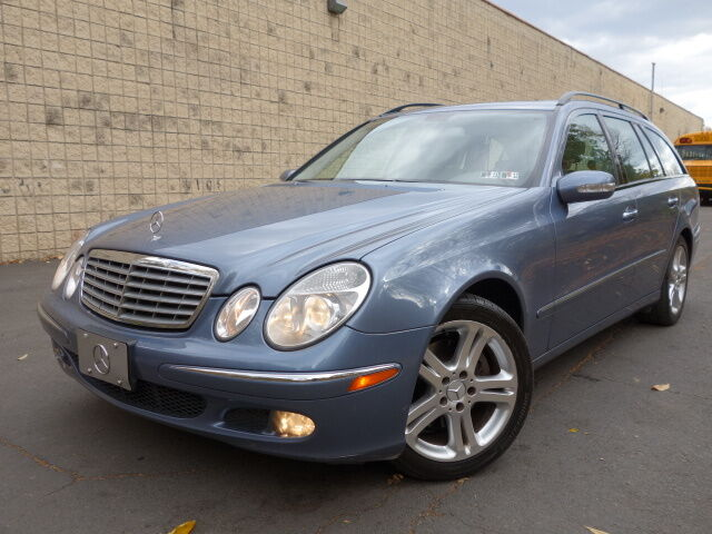 Mercedes benz e320 4 matic 3rd row seating free autocheck for Mercedes benz 3rd row