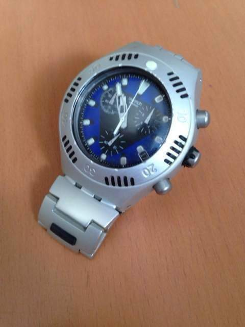 Swatch Crestless wave YBS4003AG