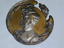 Antica spilla o altro con immagine nobildonna epoca 800