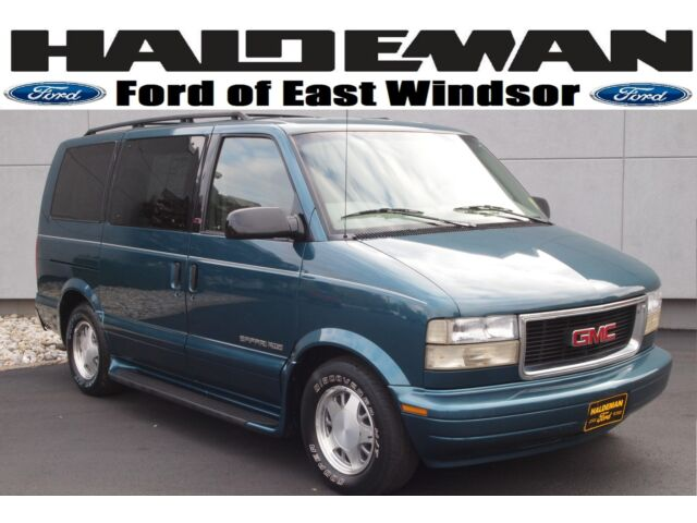 2001 gmc safari awd passenger van 4x4 cd player one owner carfax all wheel drive used gmc. Black Bedroom Furniture Sets. Home Design Ideas