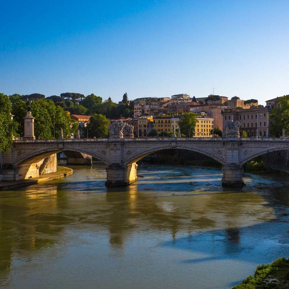Looking for a FoodTour Guide fluent in English in Rome