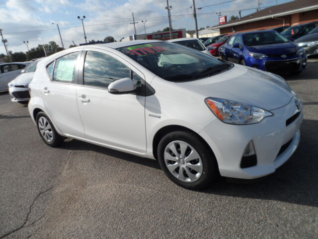 hail sale new 2013 toyota prius c pkg 2 just 17 974 you cant buy used for that new toyota. Black Bedroom Furniture Sets. Home Design Ideas