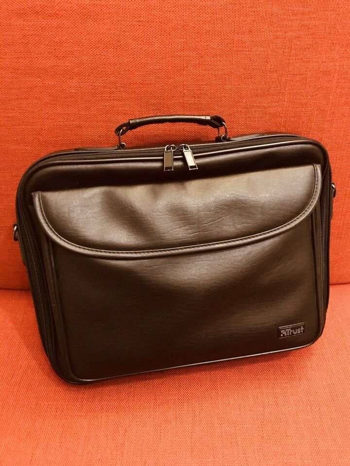 Borsa TRUST per tablet e laptop in PELLE fino a 15.6