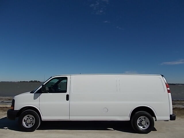 09 chev express 3500 extended cargo power equipped one owner florida van used chevrolet. Black Bedroom Furniture Sets. Home Design Ideas