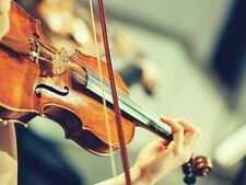 Trio classico formato da pianista, violinista e soprano