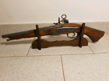 Riproduzione pistola antica a pietra focaia