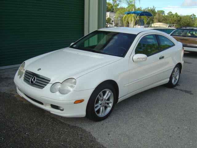 Mercedes benz c230 vin location 2006 mercedes c230 for Mercedes benz hatchback c230