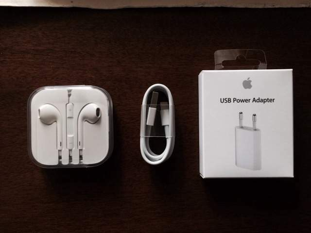 Set Completo Accessori Apple iPhone / iPod / iPad