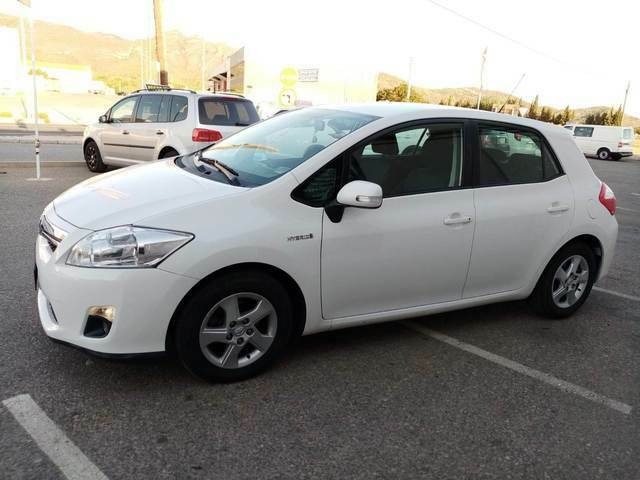 Auris 1. 8 hibrid advance 2012