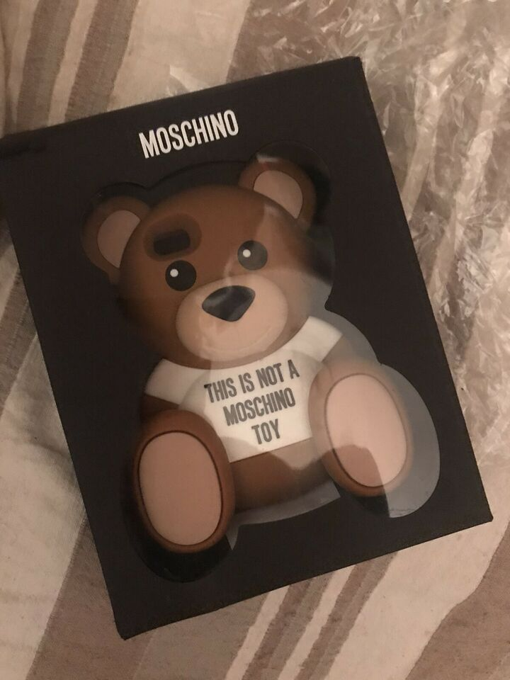 Bellissima cover Moschino Teddy bear