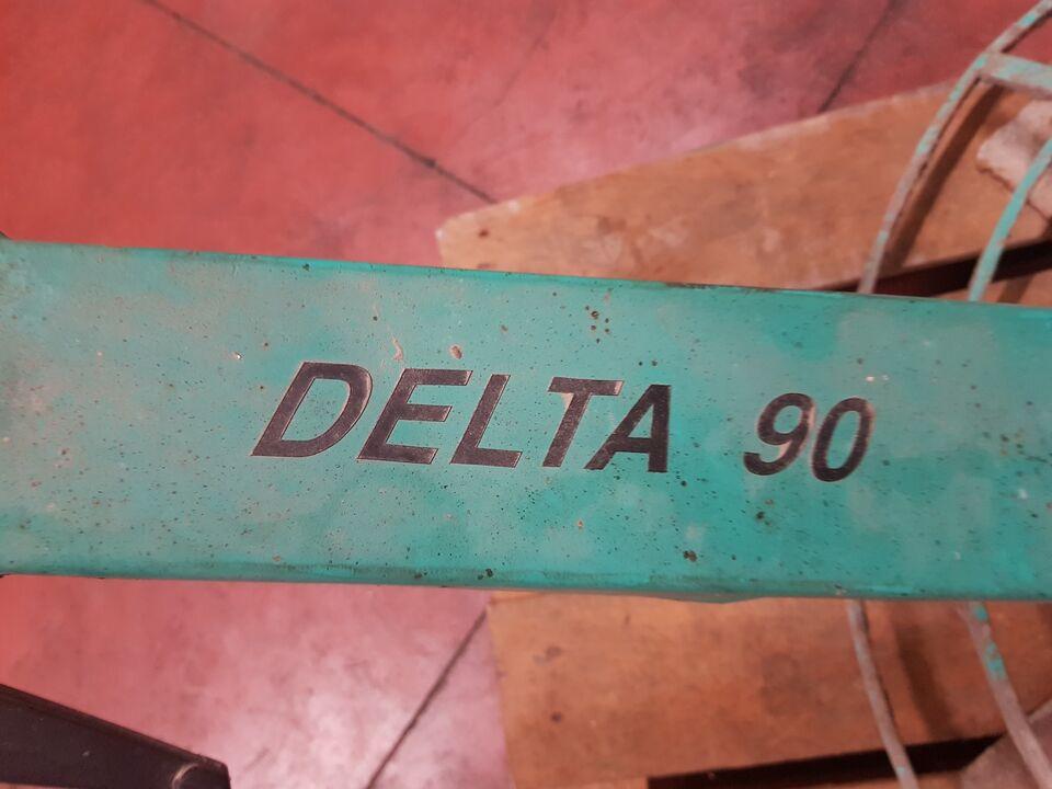 Lisciatore per calcestruzzo Imer Delta 90 4