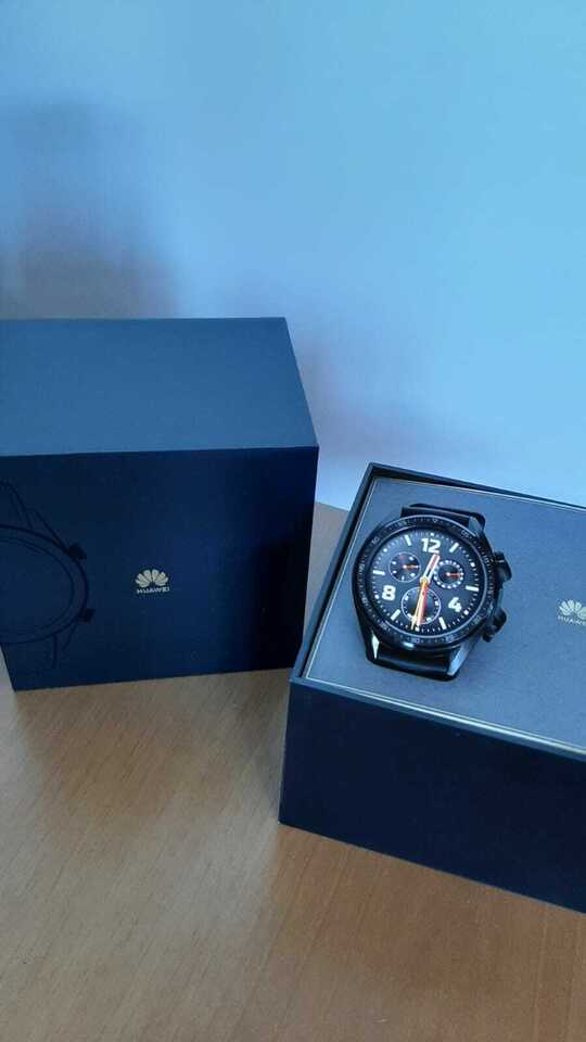 Huawei Watch GT Active 46 mm AMOLED, 2