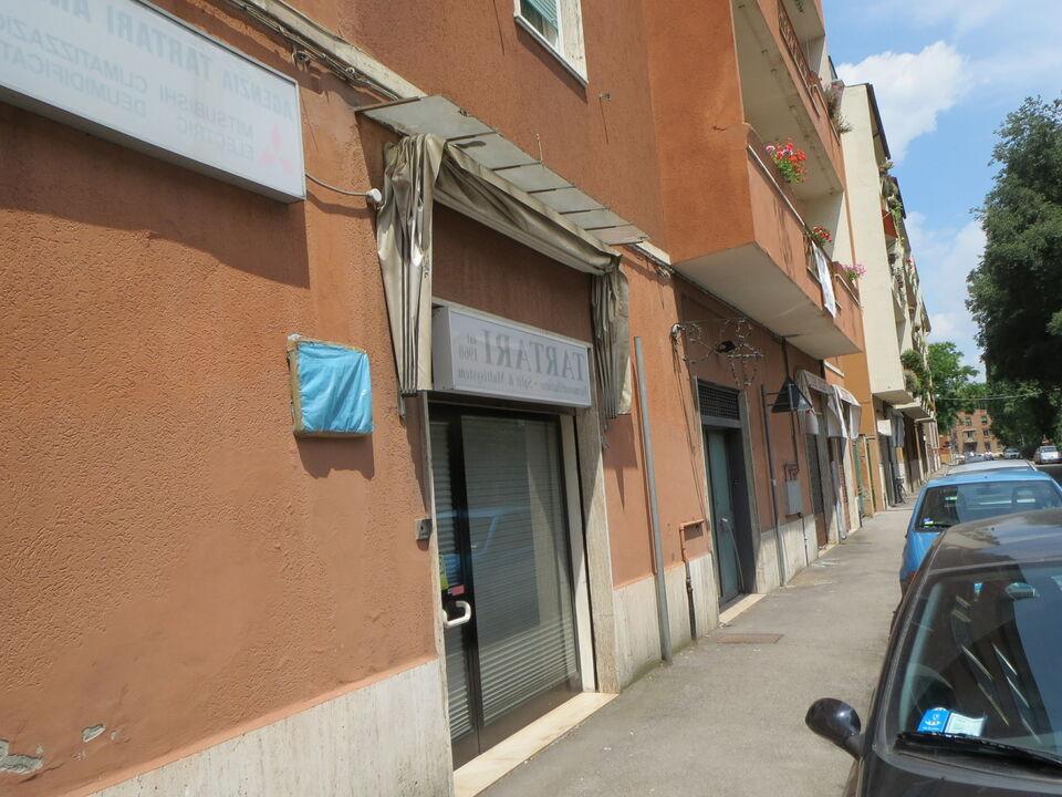 Magazzino deposito laboratorio negozio ufficio Via Niccolini 3