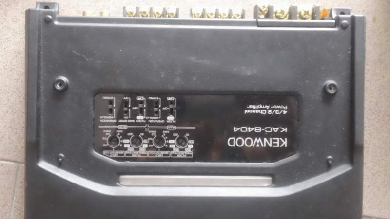 Amplificatore stereo auto Kenwood