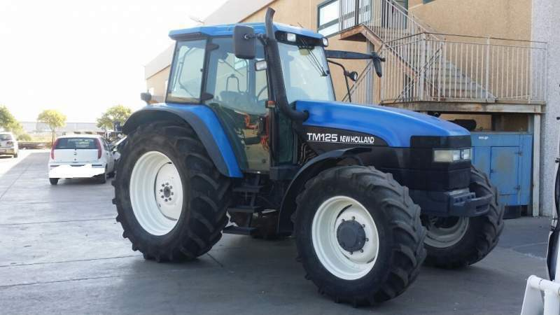 Trattore New Holland TM 125 DT 2