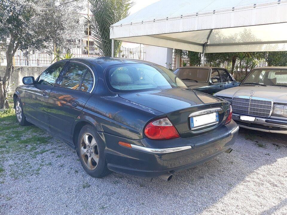 Jaguar s-type amatoriale con gpl 3