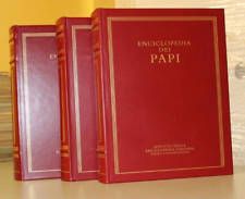Enciclopedia dei papi Treccani in 3 volumi.