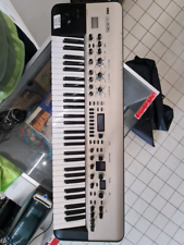 Korg KingKorg synthetizer, 525¤