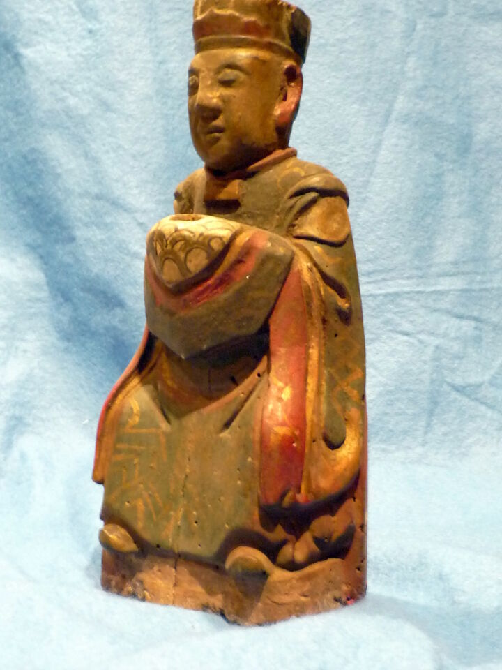 Cina 1850, Chinese Carved Wood Reliquary of Dignitary