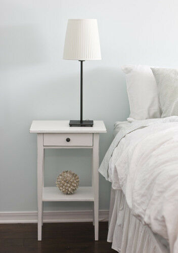 How to Refurbish a Bedside Table