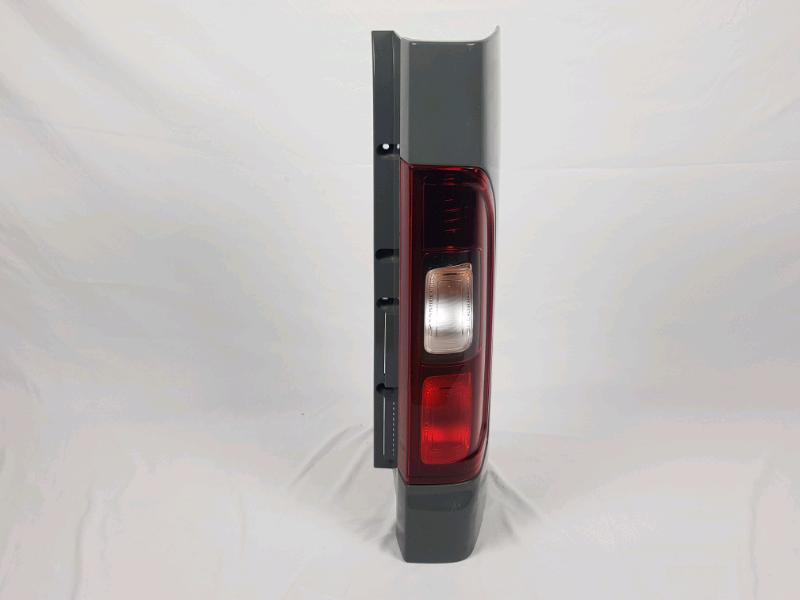 Stop posteriore destro Renault trafic anno 2018 modello vettura