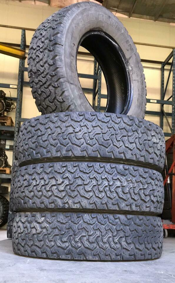 Gomme 205/80 R 16 AT
