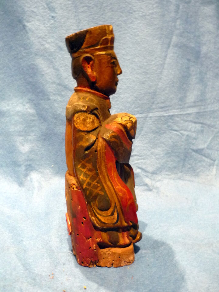 Cina 1850, Chinese Carved Wood Reliquary of Dignitary 3