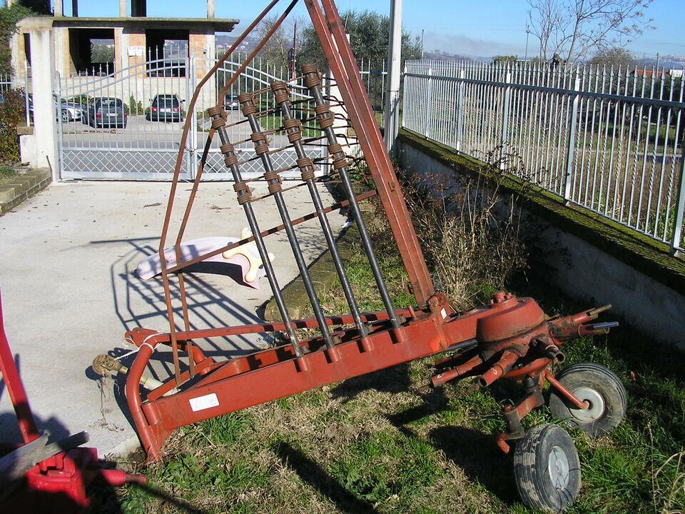 Giroandanatore usato 8 bracci enoagricola rossi