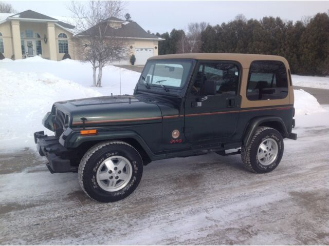 1995 jeep wrangler sahara hard top 4x4 a c low miles with video used jeep wrangler for. Black Bedroom Furniture Sets. Home Design Ideas