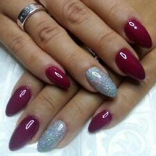 Unghie in gel manicure e pedicure