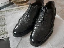 Scarpe nere in pelle lucida