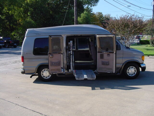 Texas handicap van and wheelchair vans for sale in lubbock Handicapped accessible homes for sale