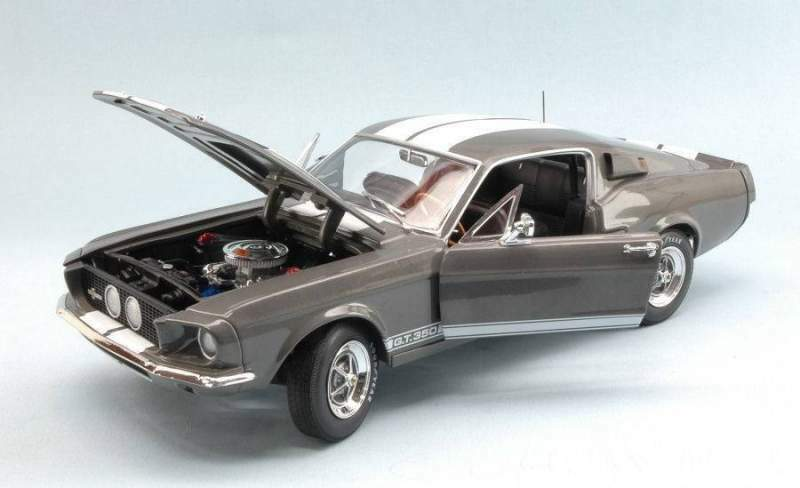 Auto world amm1060 shelby mustang gt-350 1967 mouse-grey w/white strip