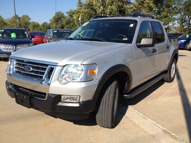 Ford Explorer Sport Trac 2wd Xlt Used Ford Explorer