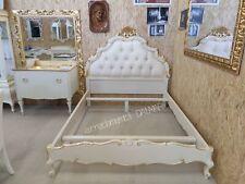Letto matrimoniale stile barocco foglia oro.